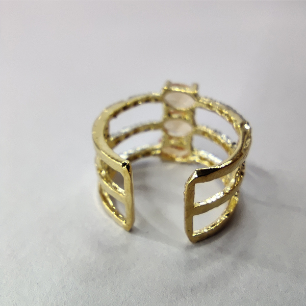 Golden color Ring (AD)