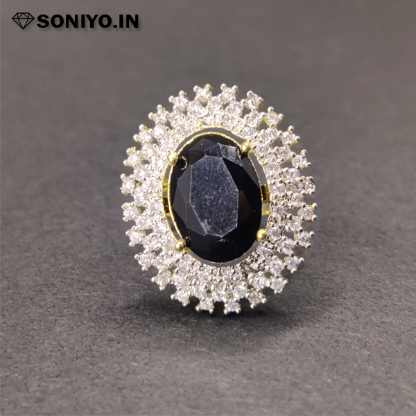 Silver Round Ring with Gemstone in Middle - black