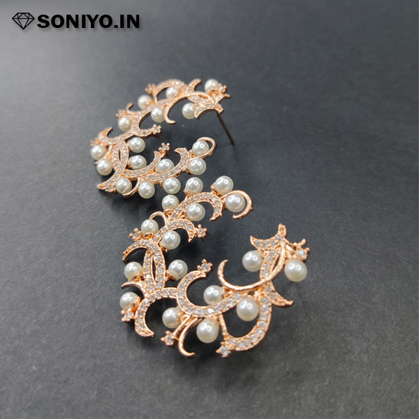 Rose gold Earring with white pearl (AD)