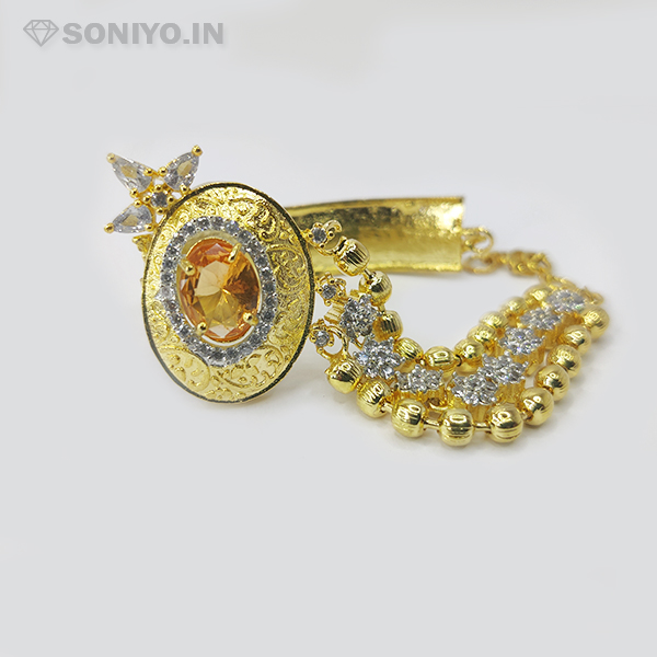 Golden Bracelet with Pearl in Middle